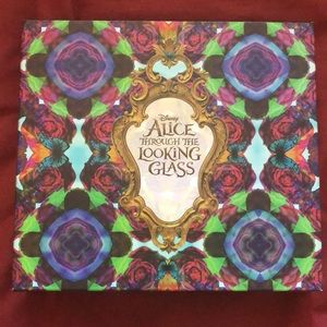 Urban Decay Alice through the looking glass IN BOX